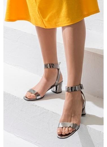 Elle Kalın Topuklu Ayakkabı Gri